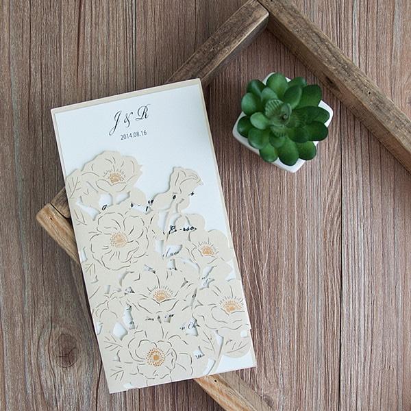 Lommekort med blomster hvid