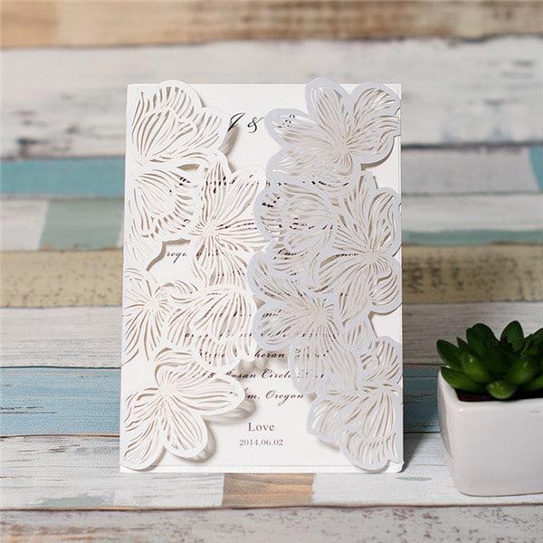 Invitationskort med blomsteråbning