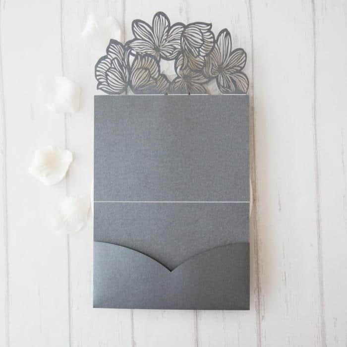 Lommekort med lasercut blomster