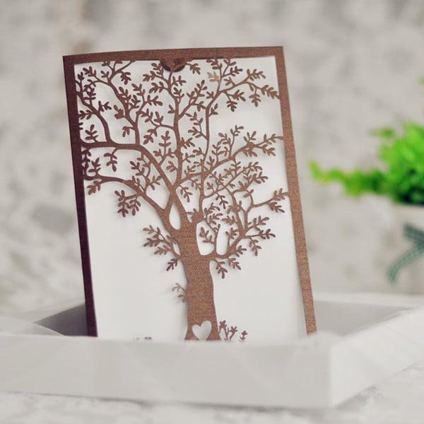 Invitation - træ med udskåret hjerte