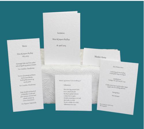enkle bryllupskort med påtrykt tekst