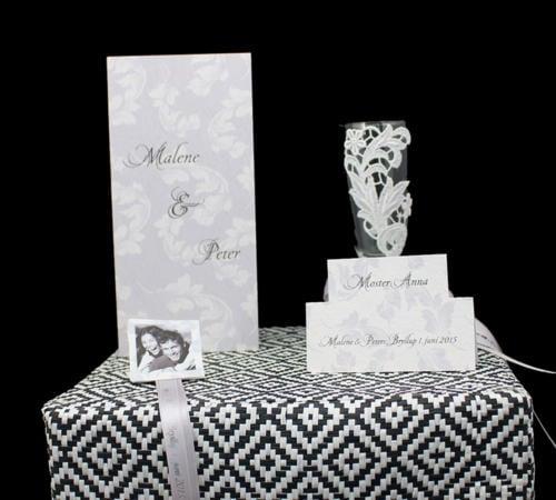 bordpynt til bryllupsbordet, foto af brudeparret