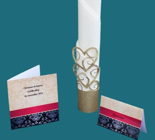 invitation og bordkort i guld, rødt og sort mønsterprint