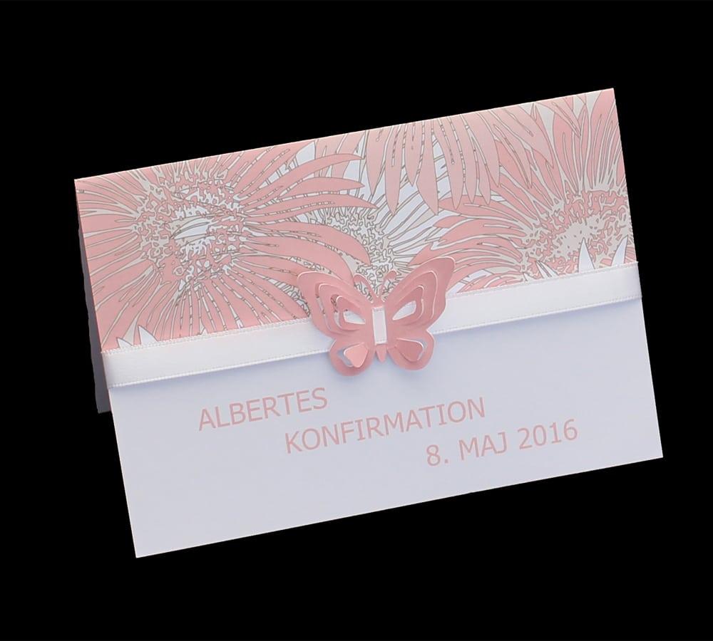 Rosa invitation med sommerfugl