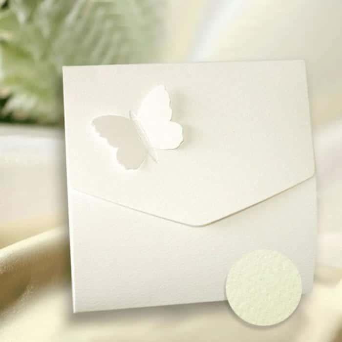 Kvadratisk konvolut kort med sommerfugl