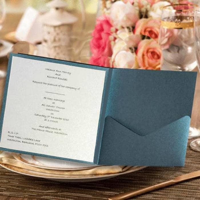 Firkantent lommekort perlemor blå