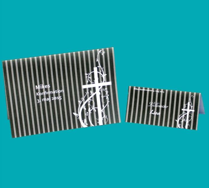 Kort med sorte striber og kors