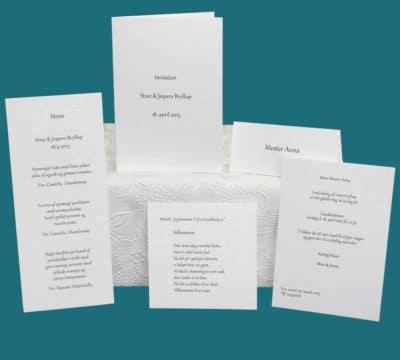 Enkle invitationer, bordkort, menukort til bryllup