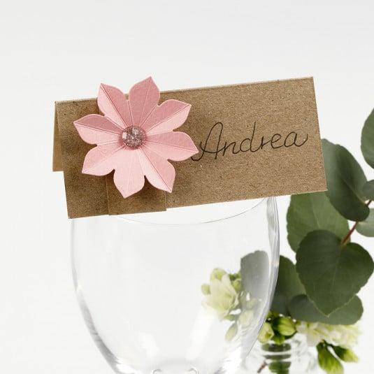 bordkort med blomst