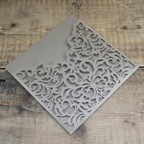 Etui invitation udstanset perlemor grå/sølv- Emerald