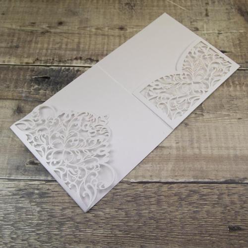 Pocketkort m udstanset flap og lomme perlemor hvid