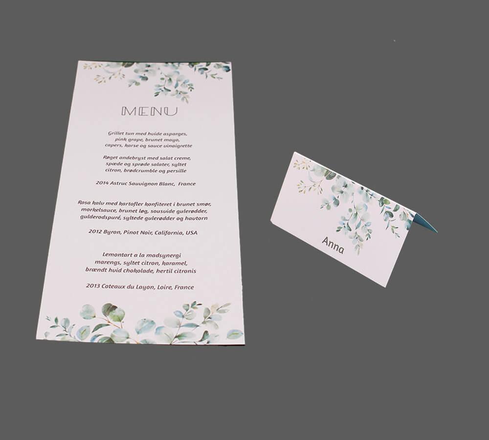 Menukort og bordkort påtrykt eucalyptusgrene