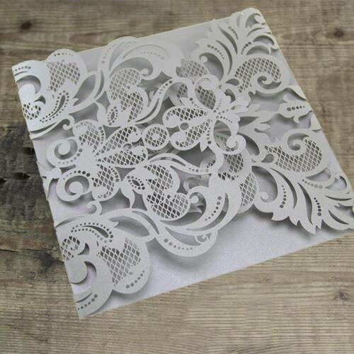 Omslagskort med udskårede flapper - sølv (grå)